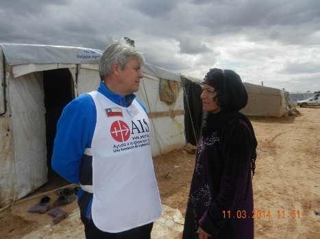 Director de AIS en campo de refugiados en Líbano