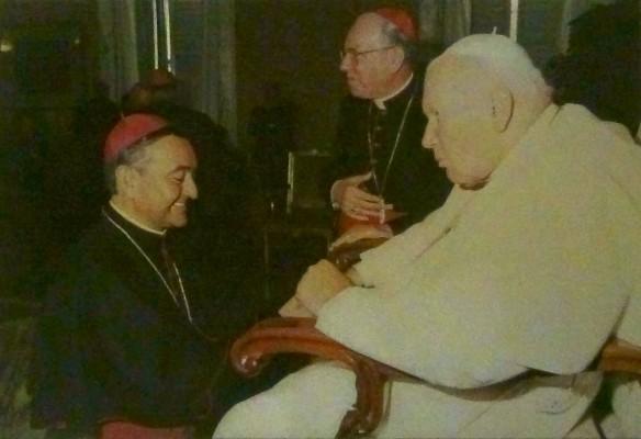 Juan Pablo II y Mons. Vargas